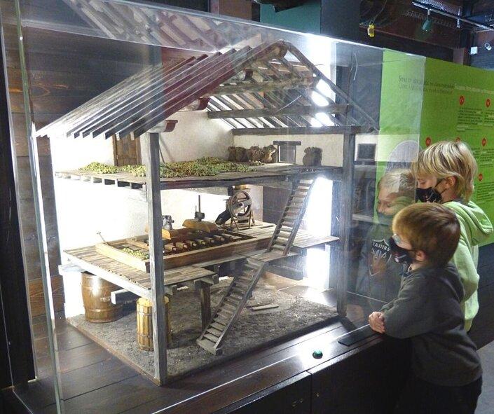 Sagardoetxea_museo_de_la_sidra_vasca_Euskadi_en_familia_Bekerreke